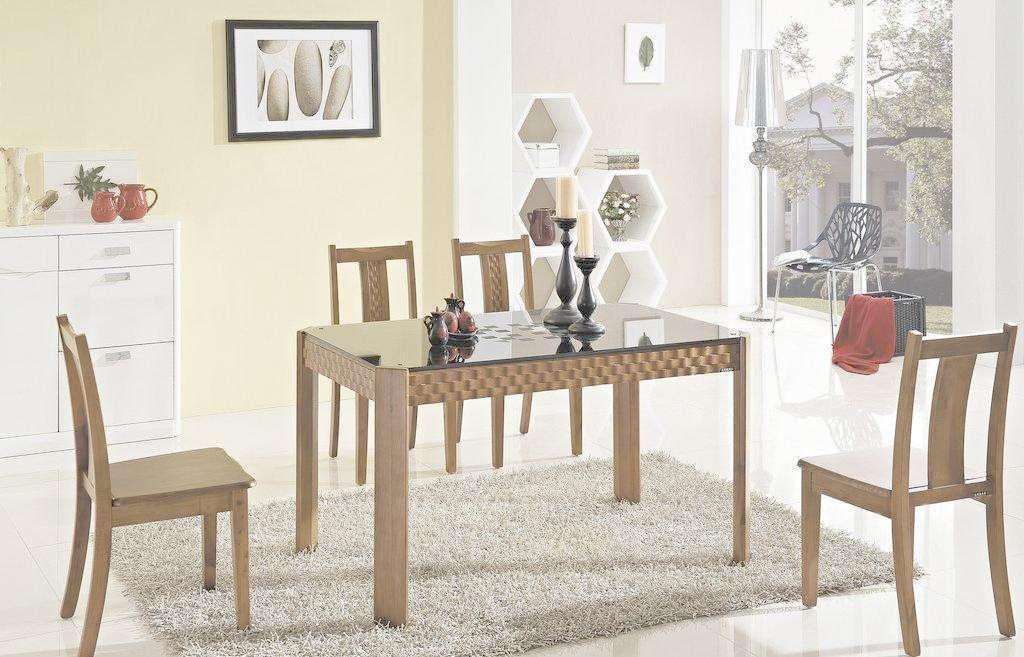 橡胶木餐桌
